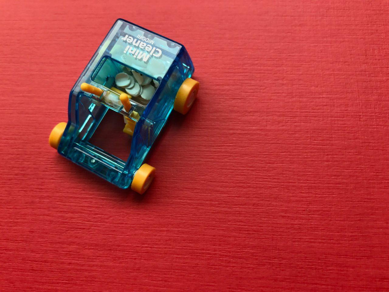 小日向京のひねもす文房具|第百十二回「ミドリ ミニクリーナー」