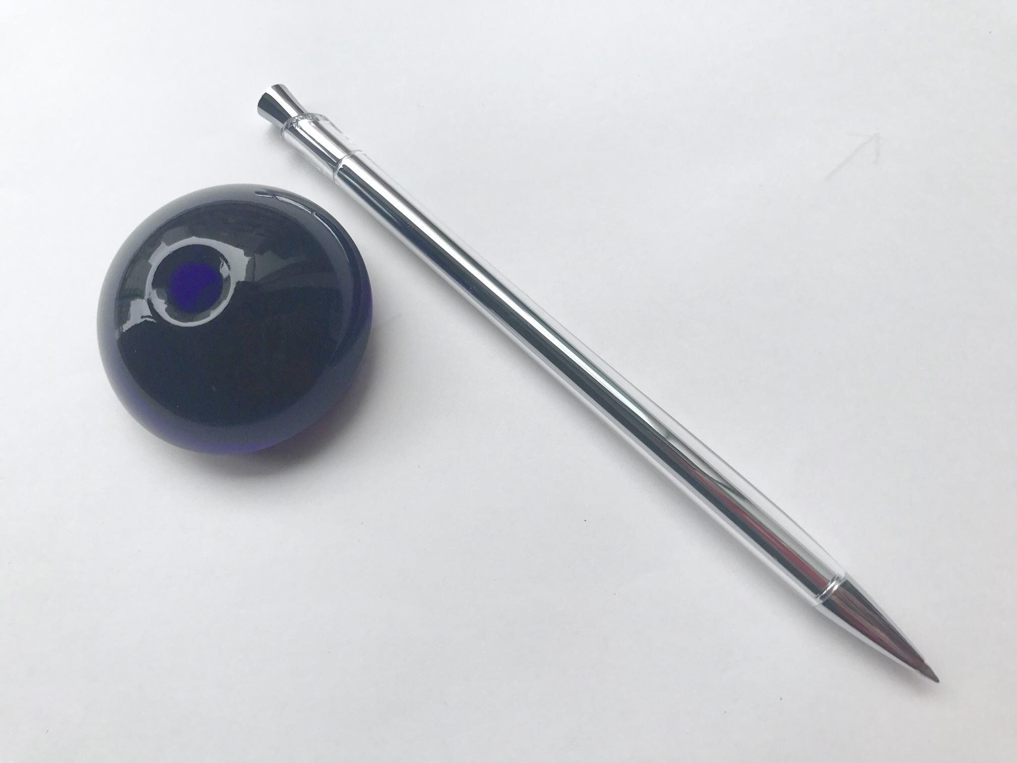 小日向京のひねもす文房具|第百三十八回「ゼブラ flos(フロス) デスクペン」