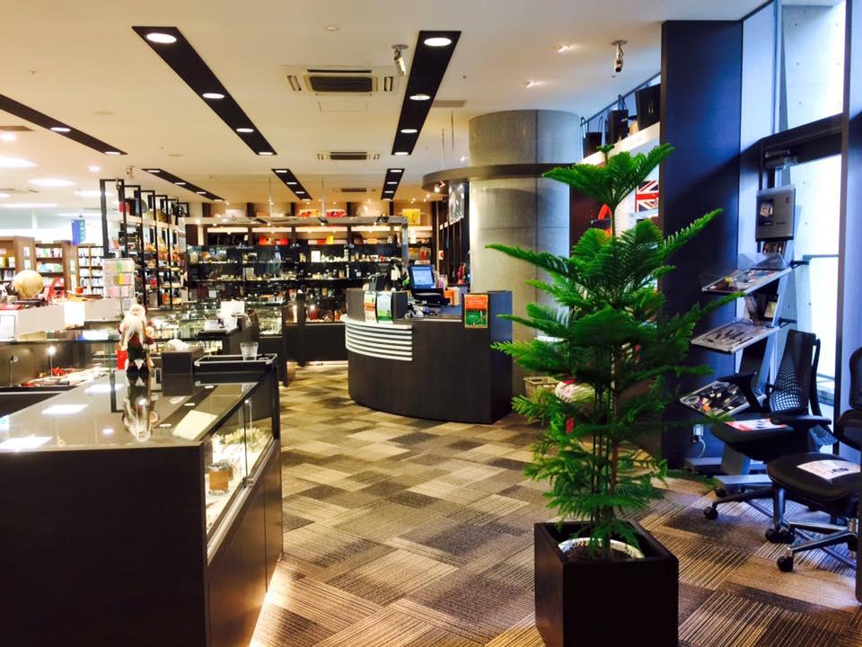 梅田茶屋町店のグリーン