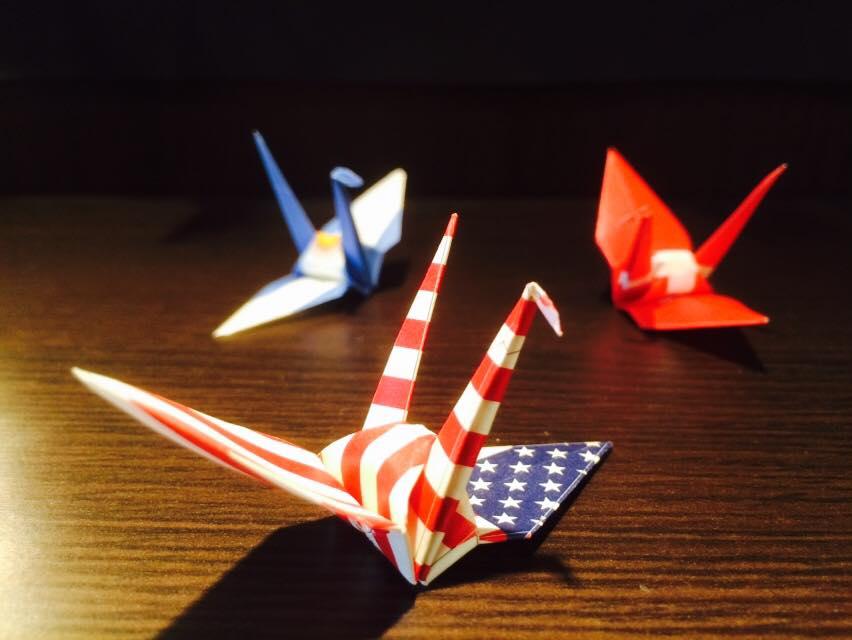 24か国の折り鶴