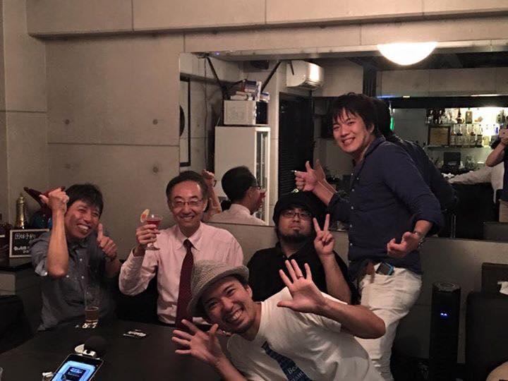 楽しい文具仲間たちが夜の神戸に集合