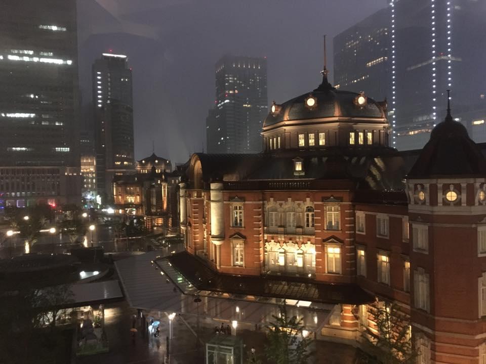 旧東京中央郵便局長室にて