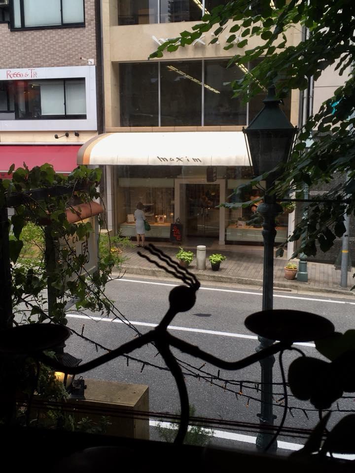 神戸トアロードの休憩時間