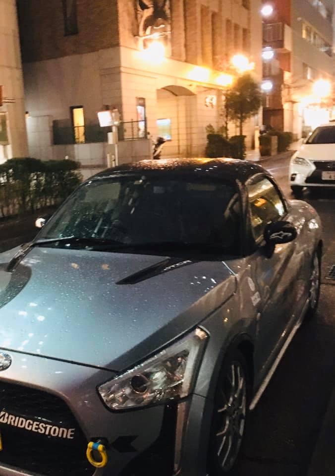 小雨模様の神戸旧居留地にて