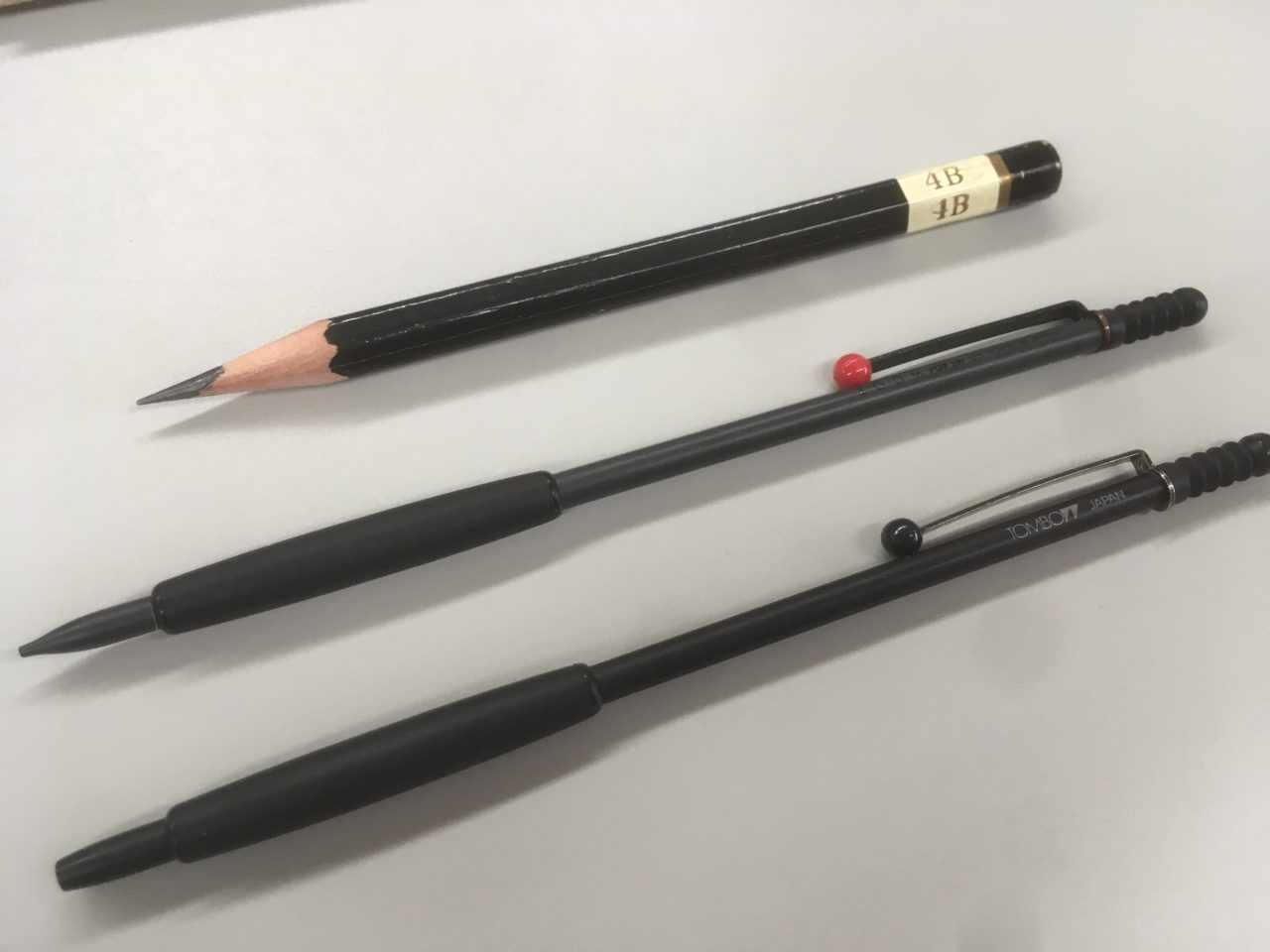 鉛筆 です 佐藤 トンボ の