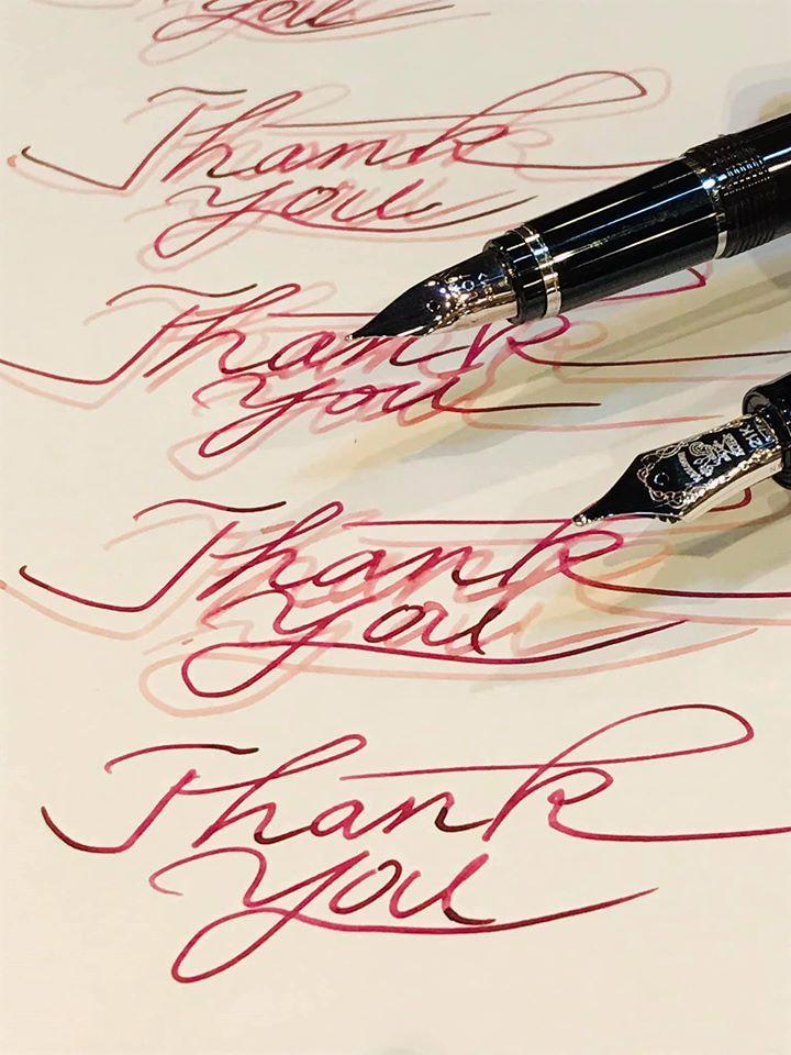 愛用の万年筆でインクの試し書き